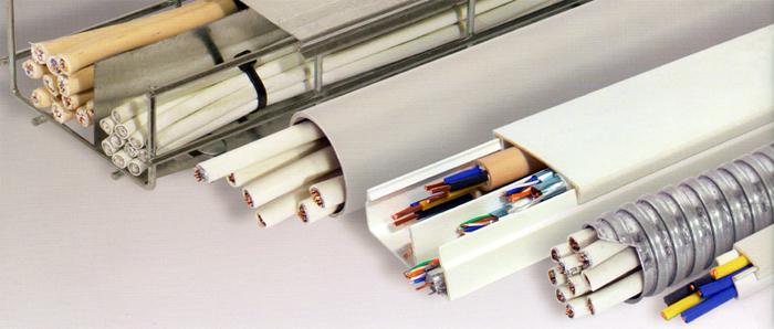 пластиковый плинтус с каналом для кабеля