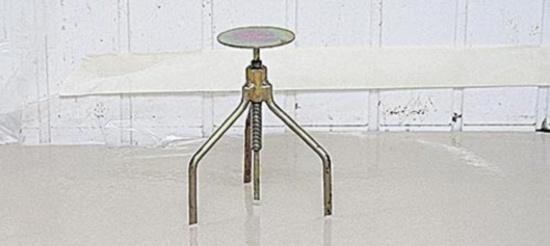 треножный штыревой маяк для мокрой стяжки