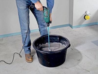замешивание сухой смеси с водой