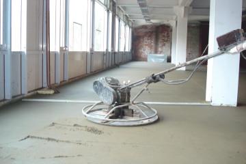 Kak pravil'no sdelat' cementno-peschanuju stjazhku  mini