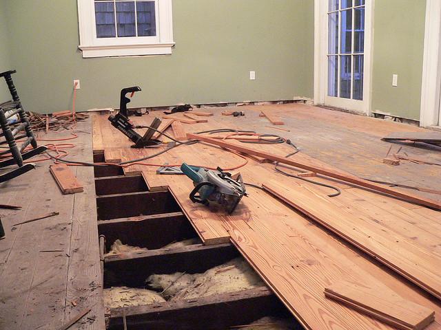 как сделать деревянный пол в дачном доме технология способ отработки